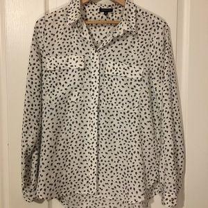 Dynamite white blouse with black print